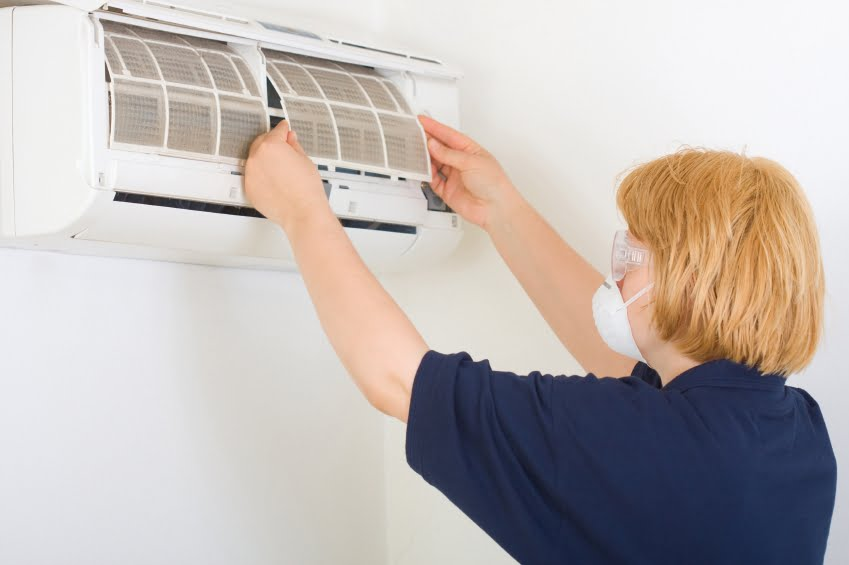 Cleaning air conditioner iStock_000016715524_Small