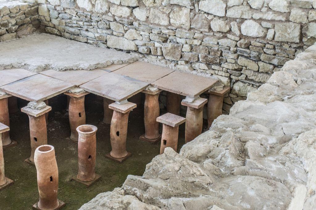 Roman Underfloor Heating - iStock_000066401163_Medium
